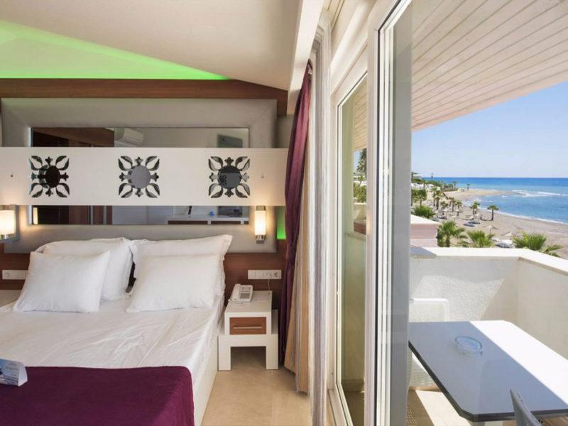 flora-garden-deluxe-sea-view-room-5
