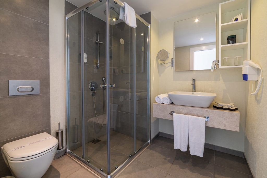 Bath - Standard Room