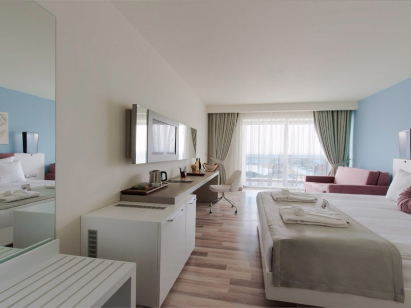 flora-garden-ephesus-deluxe-room-land-view-bedroom-1