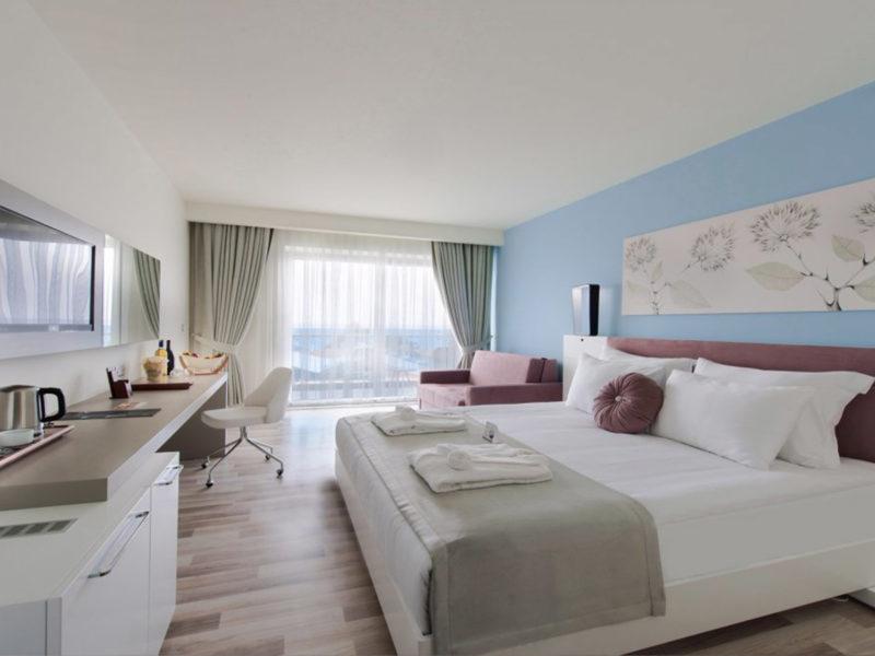 flora-garden-ephesus-deluxe-room-land-view-bedroom